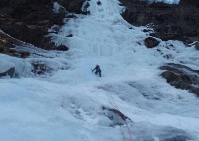 Arrampicata su cascate - Escursioni - Guida Alpina Andrea Concini