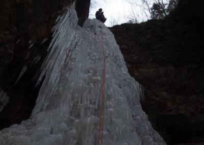 Cima Cascata 3 salti - Arrampicata su ghiaccio - Guida Alpina Andrea Concini