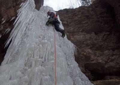 Salita Cascata 3 salti - Arrampicata su ghiaccio - Guida Alpina Andrea Concini